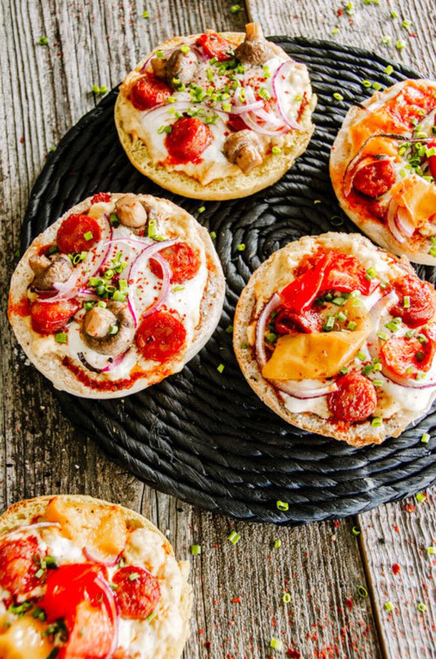 De Trog Pur Pain English Muffin Breakfast Pizza Lr